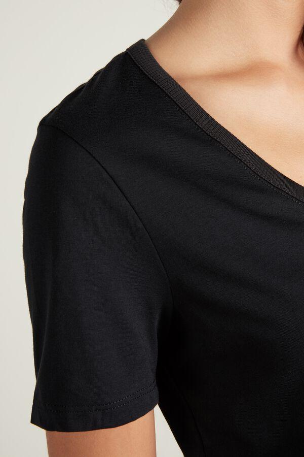 Basic Cotton V-neck T-shirt