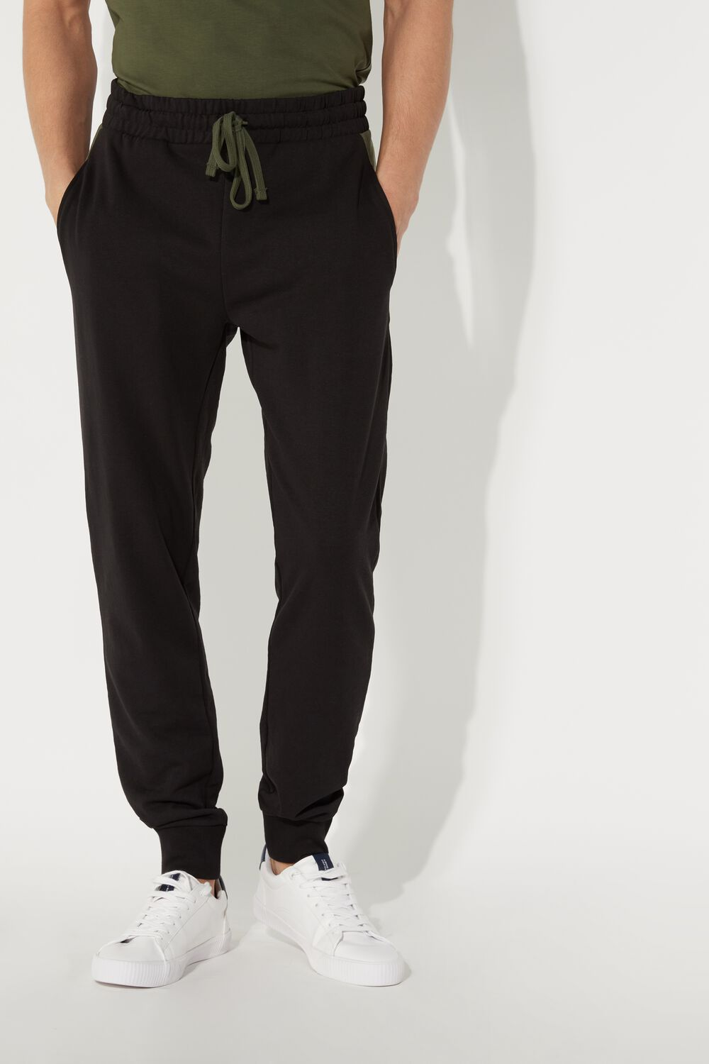 Long Pants in Fleece with Contrasting Side Panles