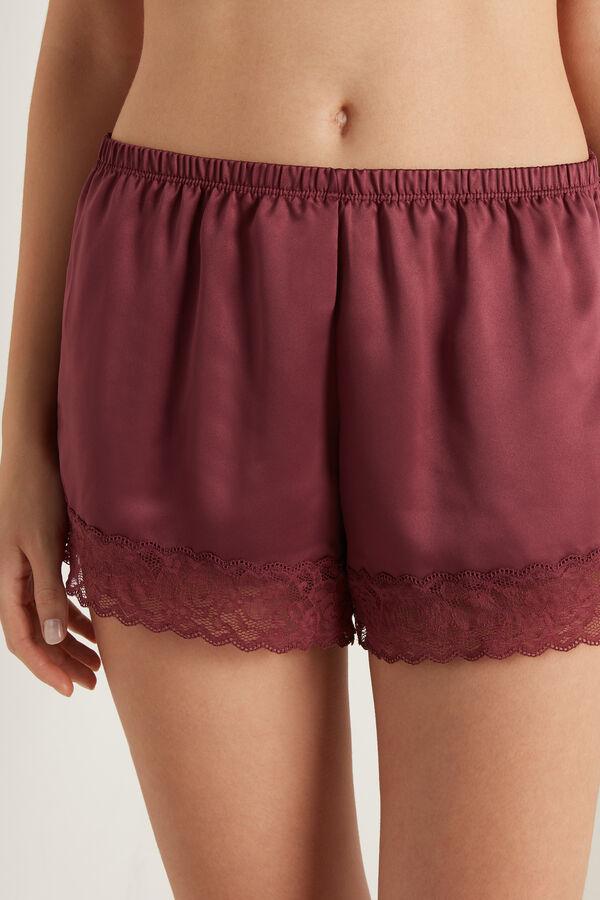 Pantaloni scurți din dantelă și satin