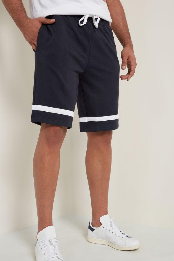 Sweatshirt Shorts with Stripe