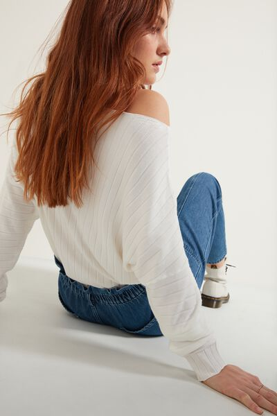 Long-Sleeved Ribbed Boat-Neck Top