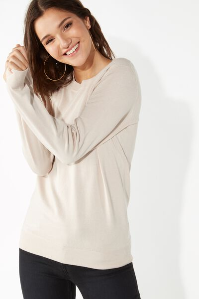 Basic Long-Sleeved Pullover
