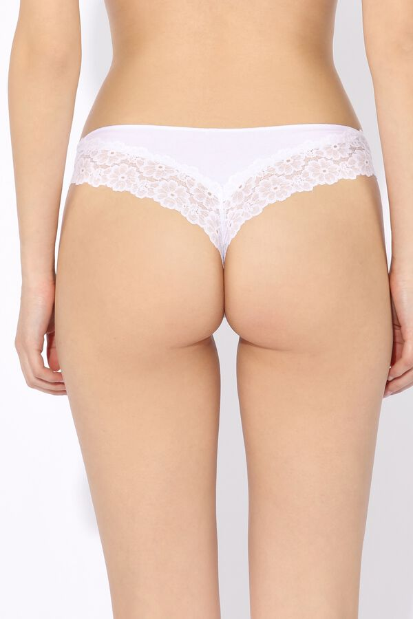 Cheeky Panties in Cotton and Lace