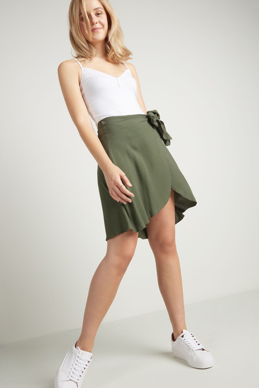 Short Fabric Skirt with Slit
